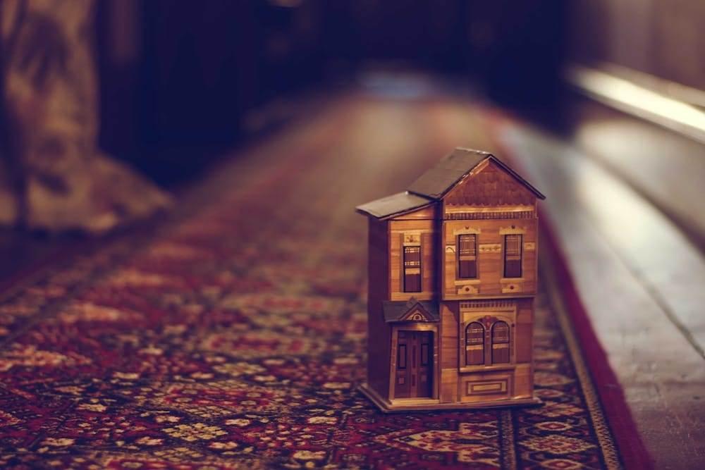 tiny-house-miniature