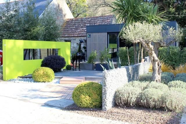 Bureau de jardin vue extérieur
