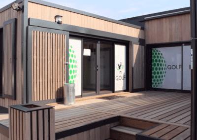 Bureau bois innovant pour simulateur golf indoor – Rennes (35)