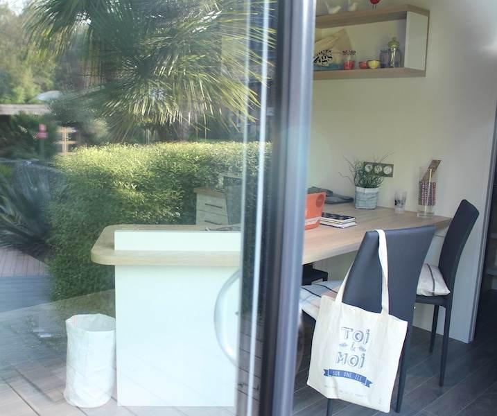 Un bureau de jardin sur mesure avec baie vitrée