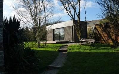 Minimaison : une petite maison en bois prête à vivre